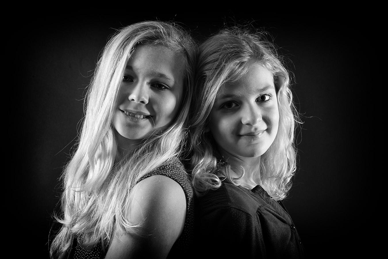 Lara&Vicki